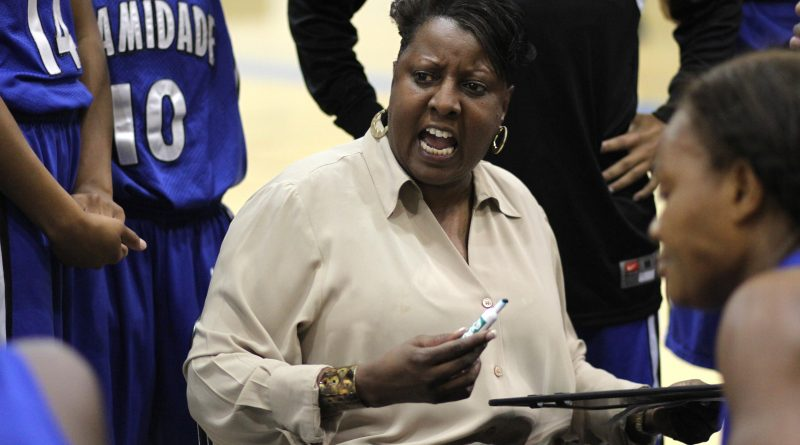 Coach Susan Summons during a game.