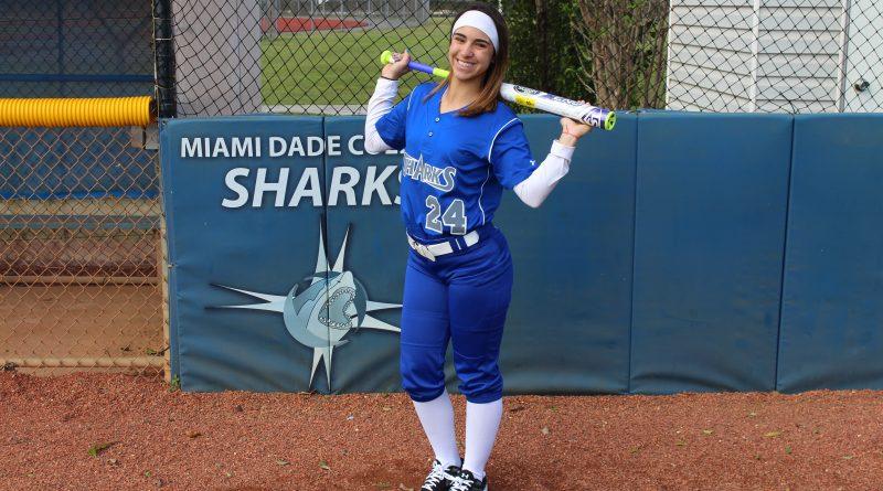 Image of outfielder Samantha Arrastia.