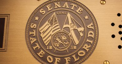Image of the seal of the Senate of Florida.