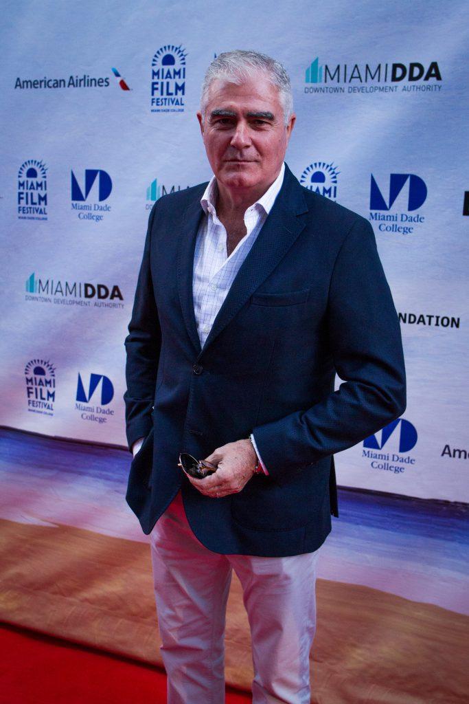 Actor Saúl Lisazo on the red carpet.