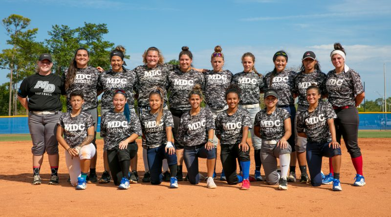 Photo of the Lady Sharks softball team.