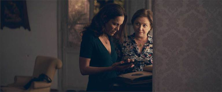 A scene from The Heiresses.