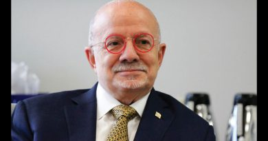 Photo of Eduardo J. Padron.
