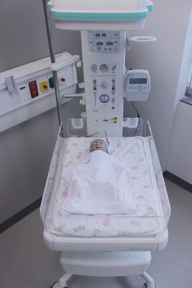 Photo of the mannequin baby.