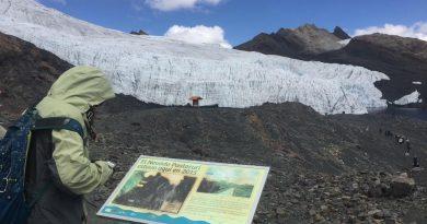 Image of Pastoruri Glacier.