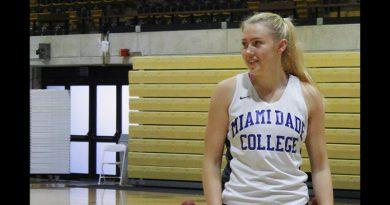 Alise Markova on the court.