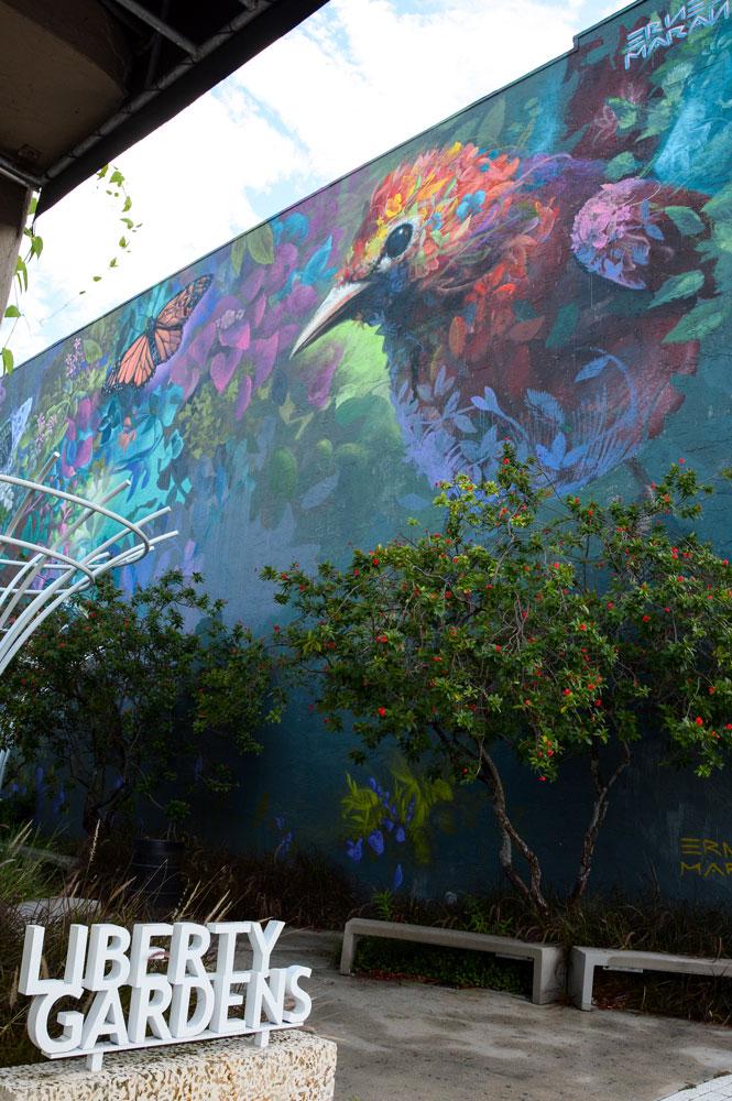 Mural by Ernesto Maranje.